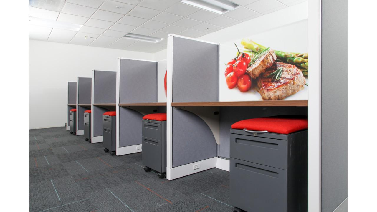 Refurbished Eco Friendly Office Furniture Customized