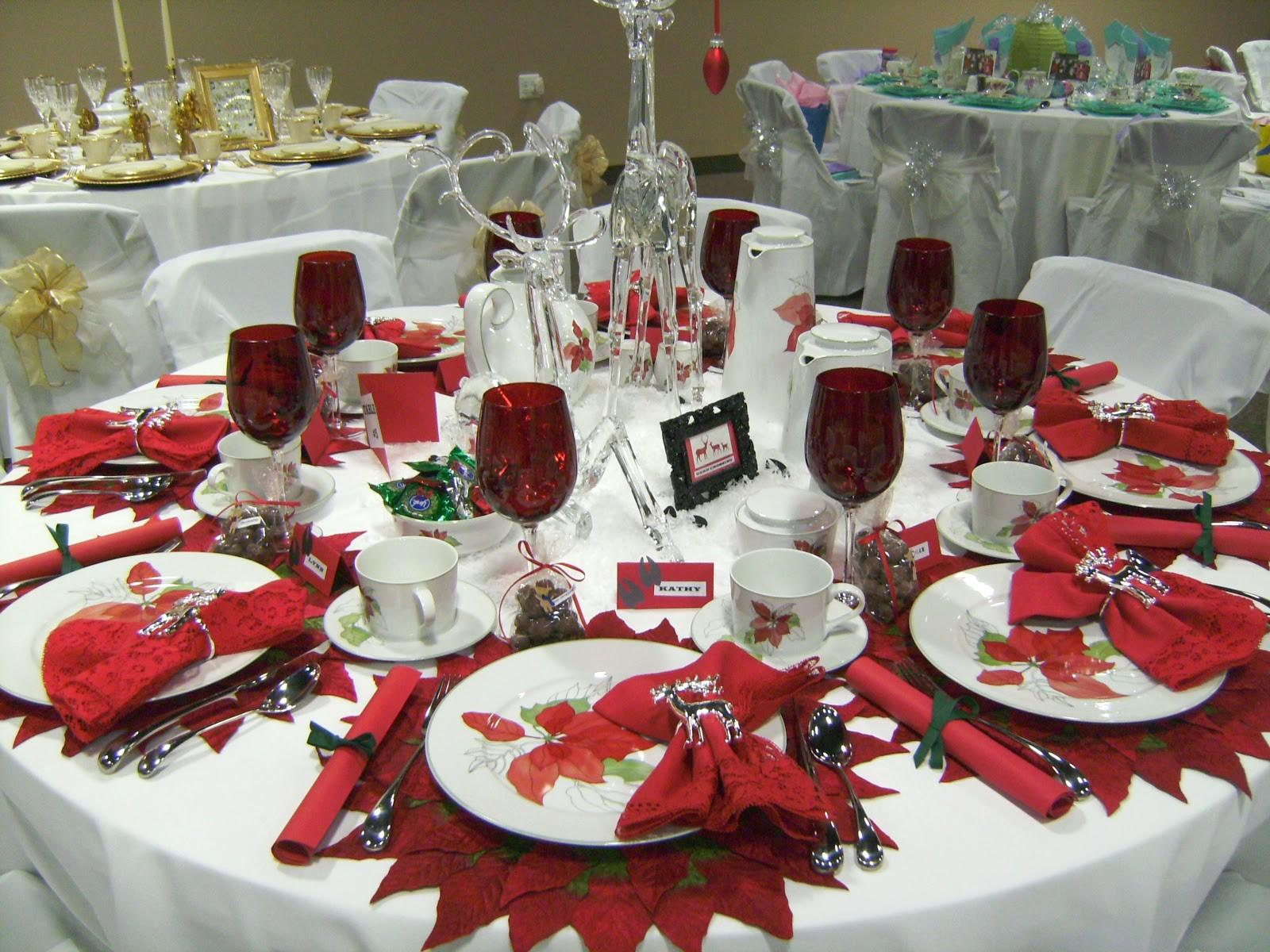 Relevant Tea Leaf 2010 Christmas Tablescapes