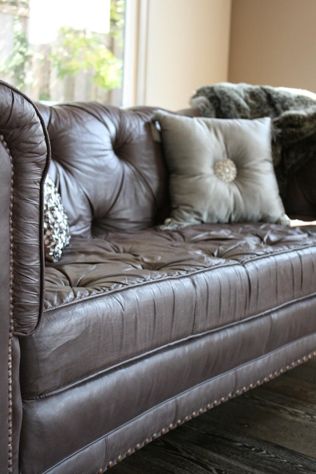 Reloved Rubbish Painted Sofa