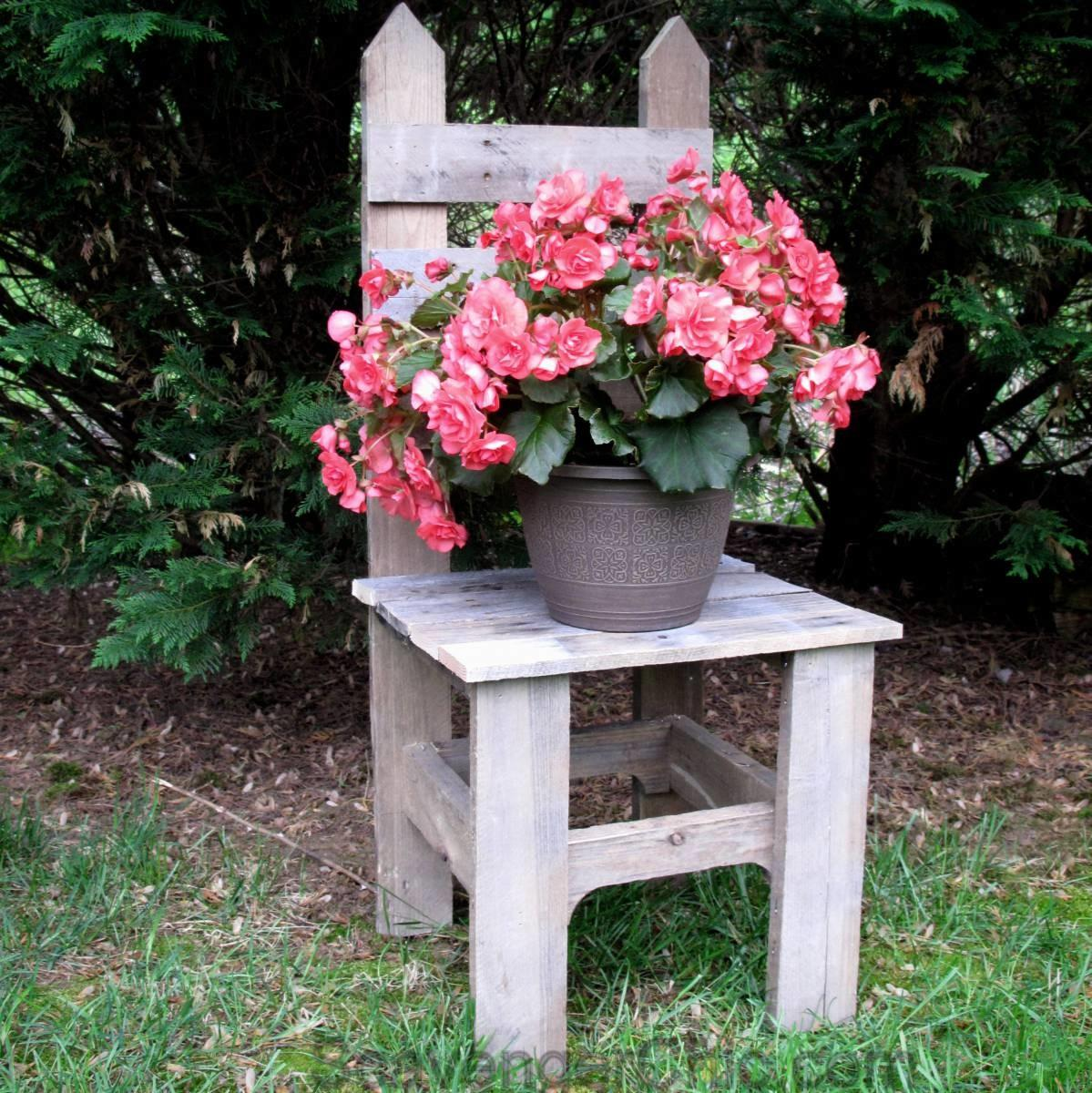 Remembering Mom Pallet Wood Chair Plant Stand