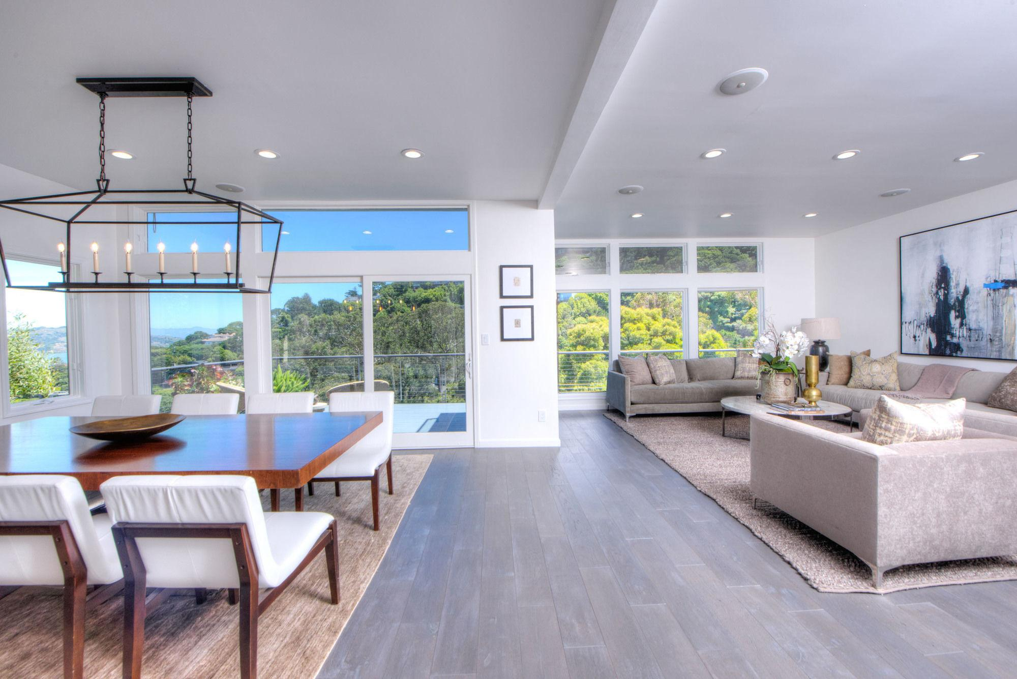 Remodeled Contemporary Bay Views Detached Guest