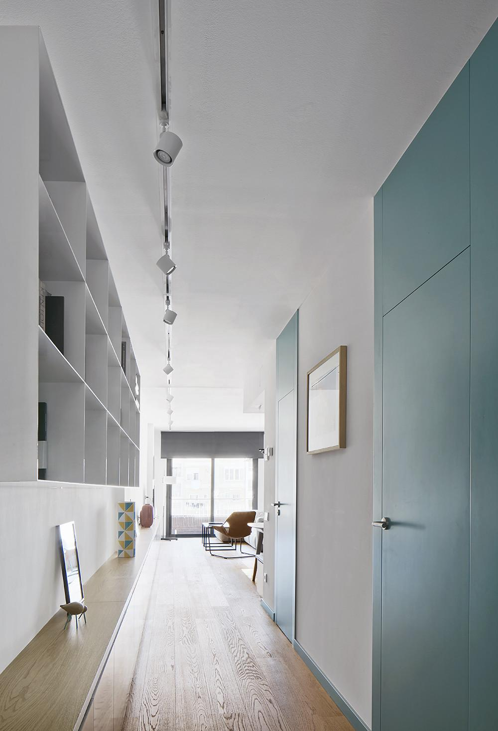 Renovated Flat Uses Colour Texture Materials