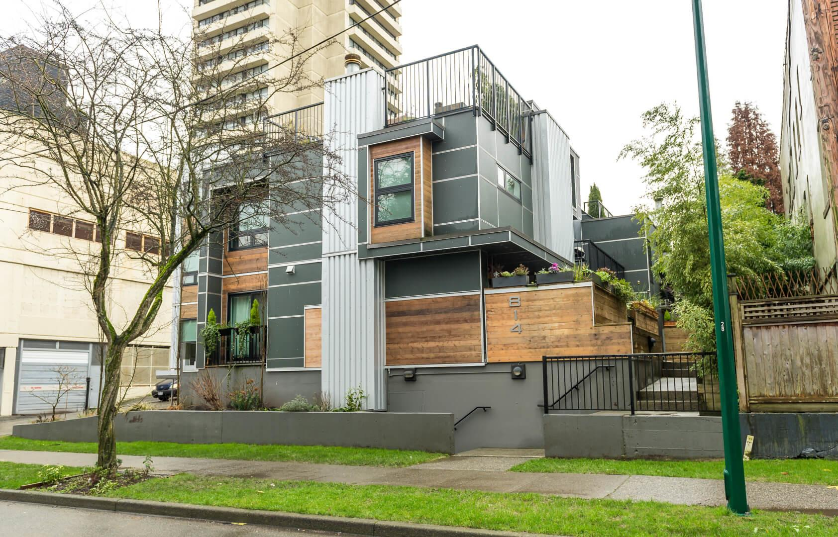 Resident Experts West End Apartment Vancouver