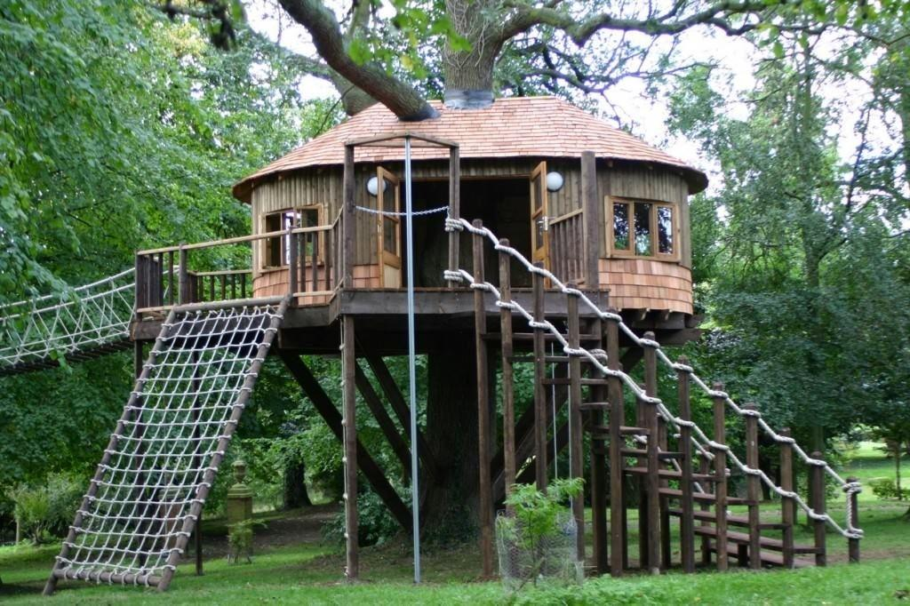 Ridiculously Awesome Tree Houses Kids