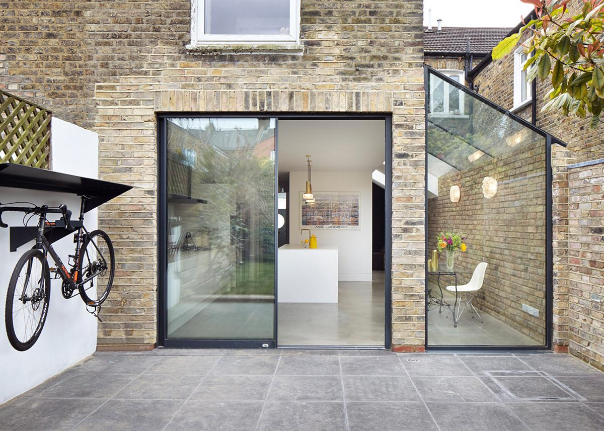 Rise Design Studio Adds Glazed Extension London