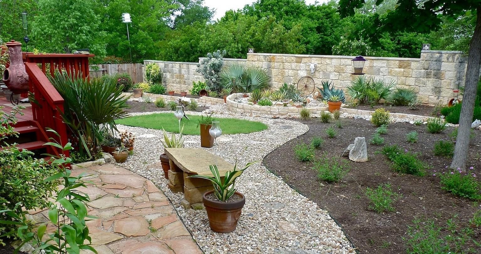 River Rock Garden Edging Ideas