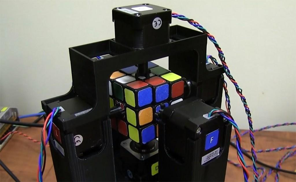 Robot Solves Rubik Cube Just Over Second Lost
