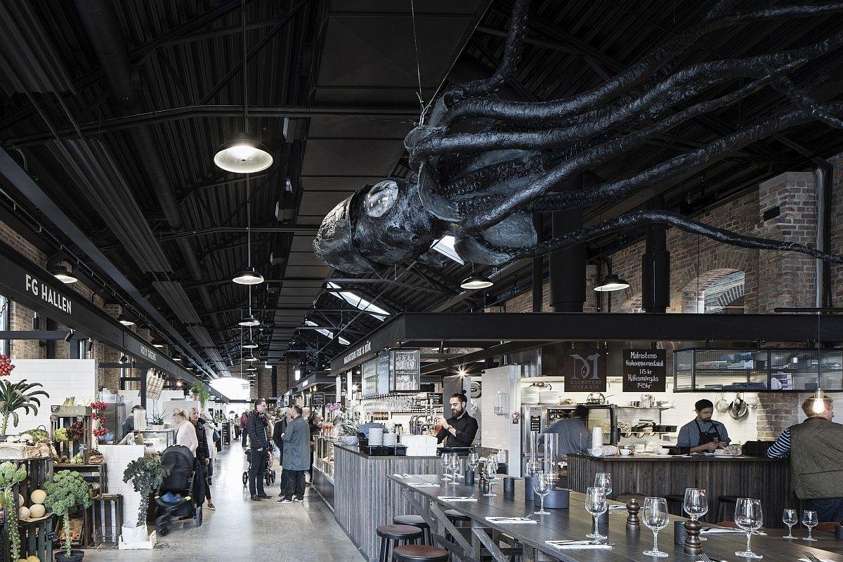 Roofless Industrial Building Turned Into Fabulous Market