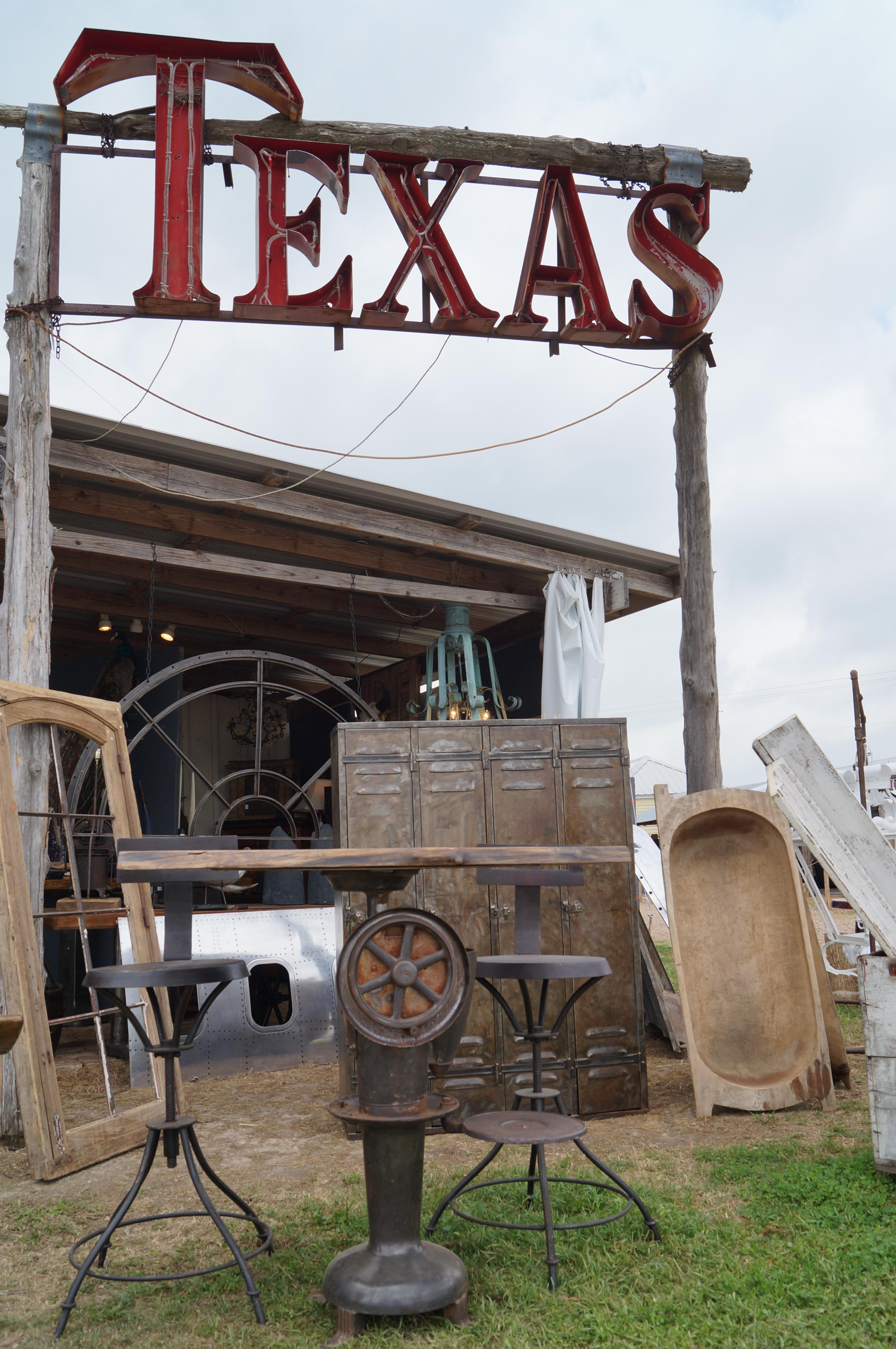 Round Top Antiques Show Treasure Guide