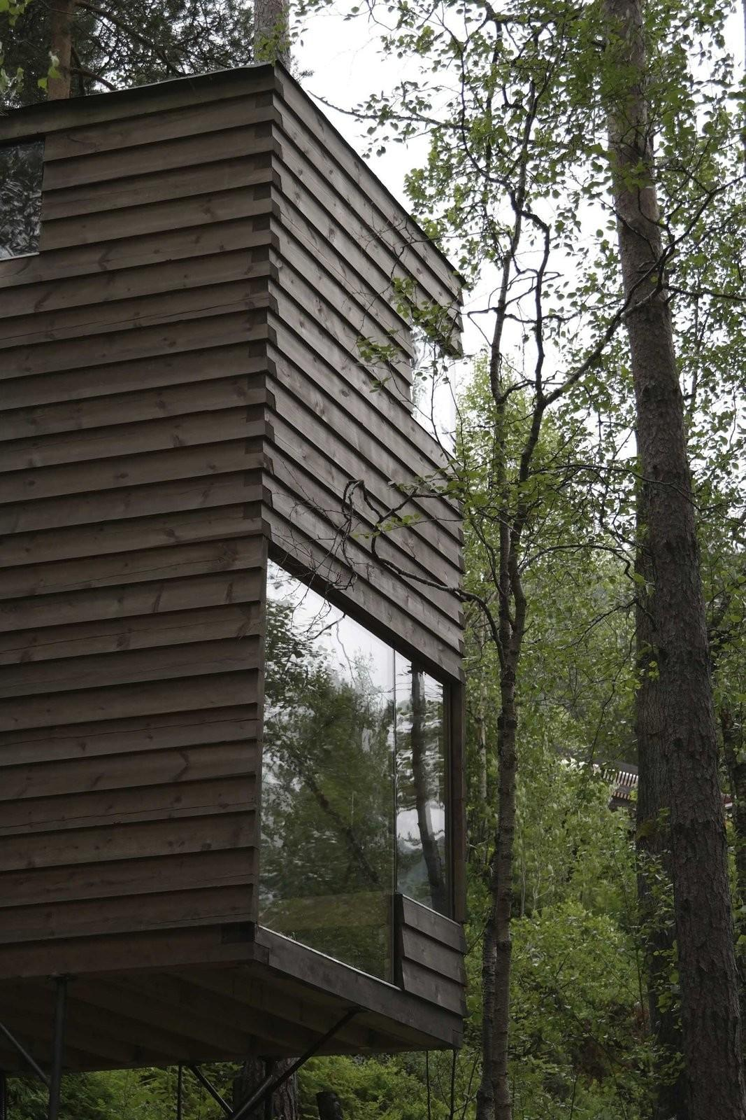 Rustic Cabins Comprise Impossibly