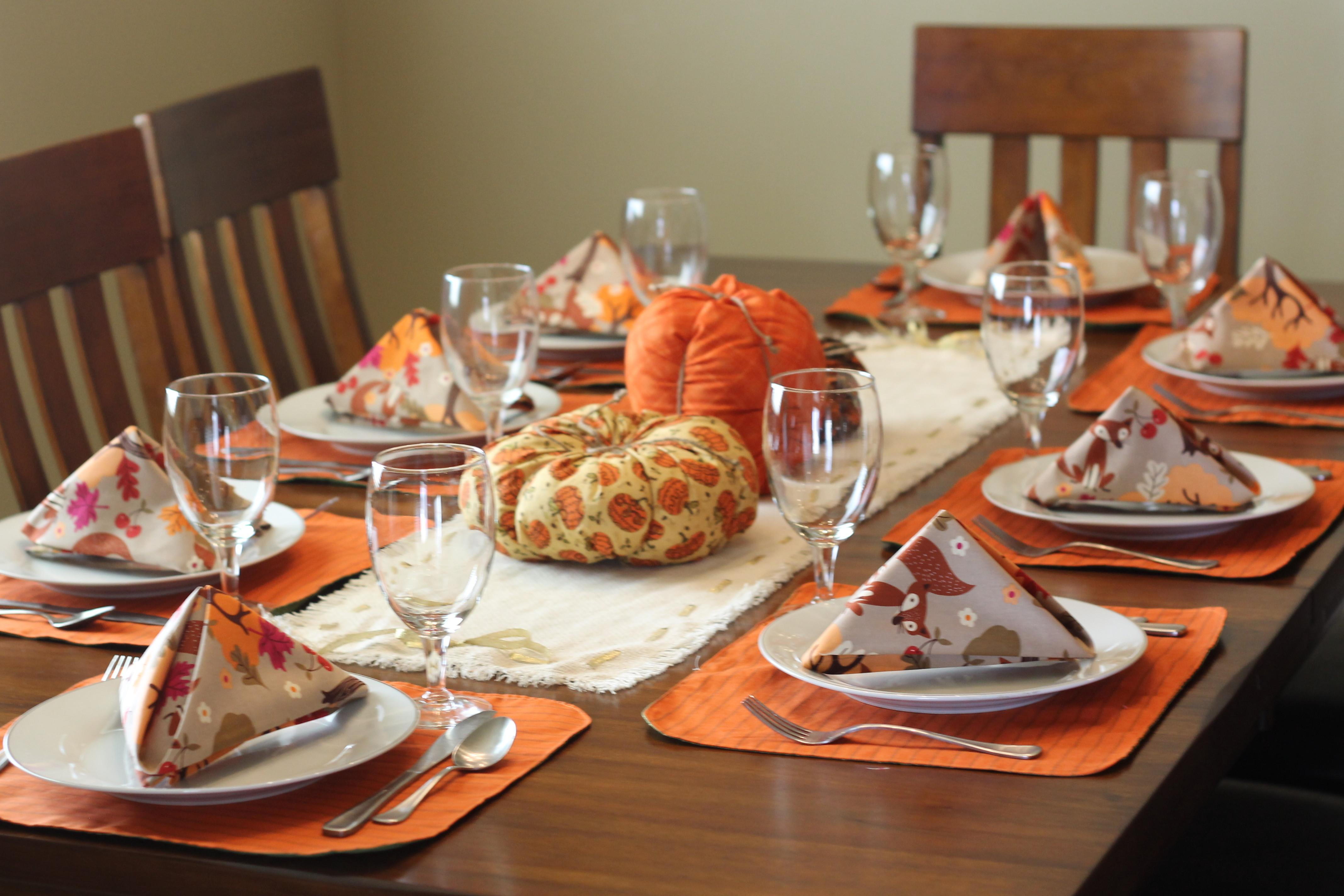 Rustic Thanksgiving Table Setting Peek Boo Pages Sew