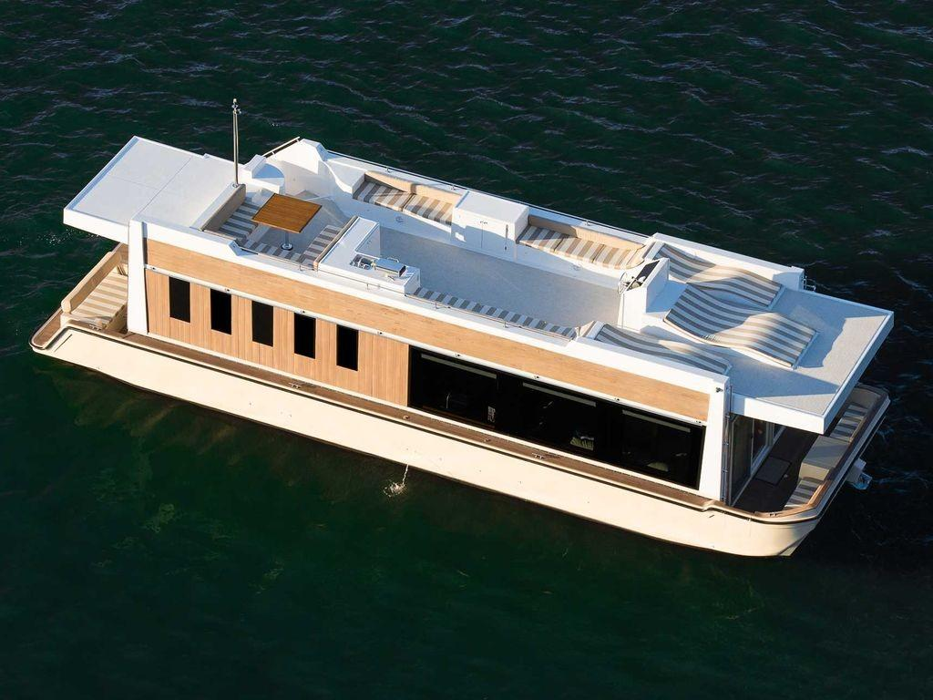 Seattle Short Term Tiny Houseboat Rentals Testing Out
