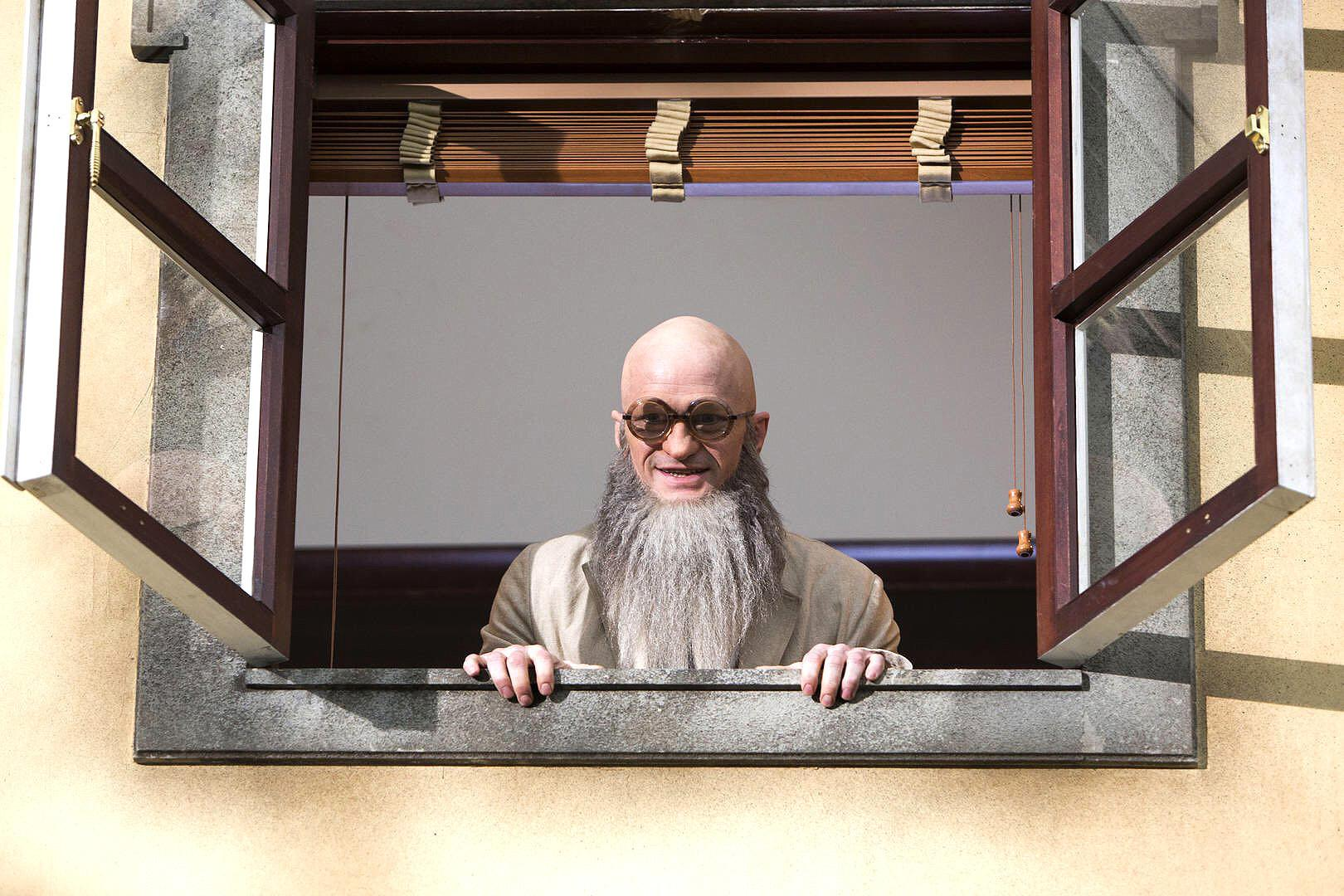 Series Unfortunate Events See Count Olaf Disguises