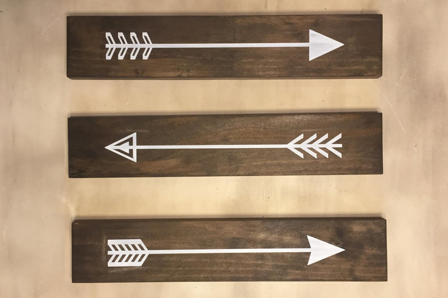 Set Rustic Wood Arrows Wall Decor Sign
