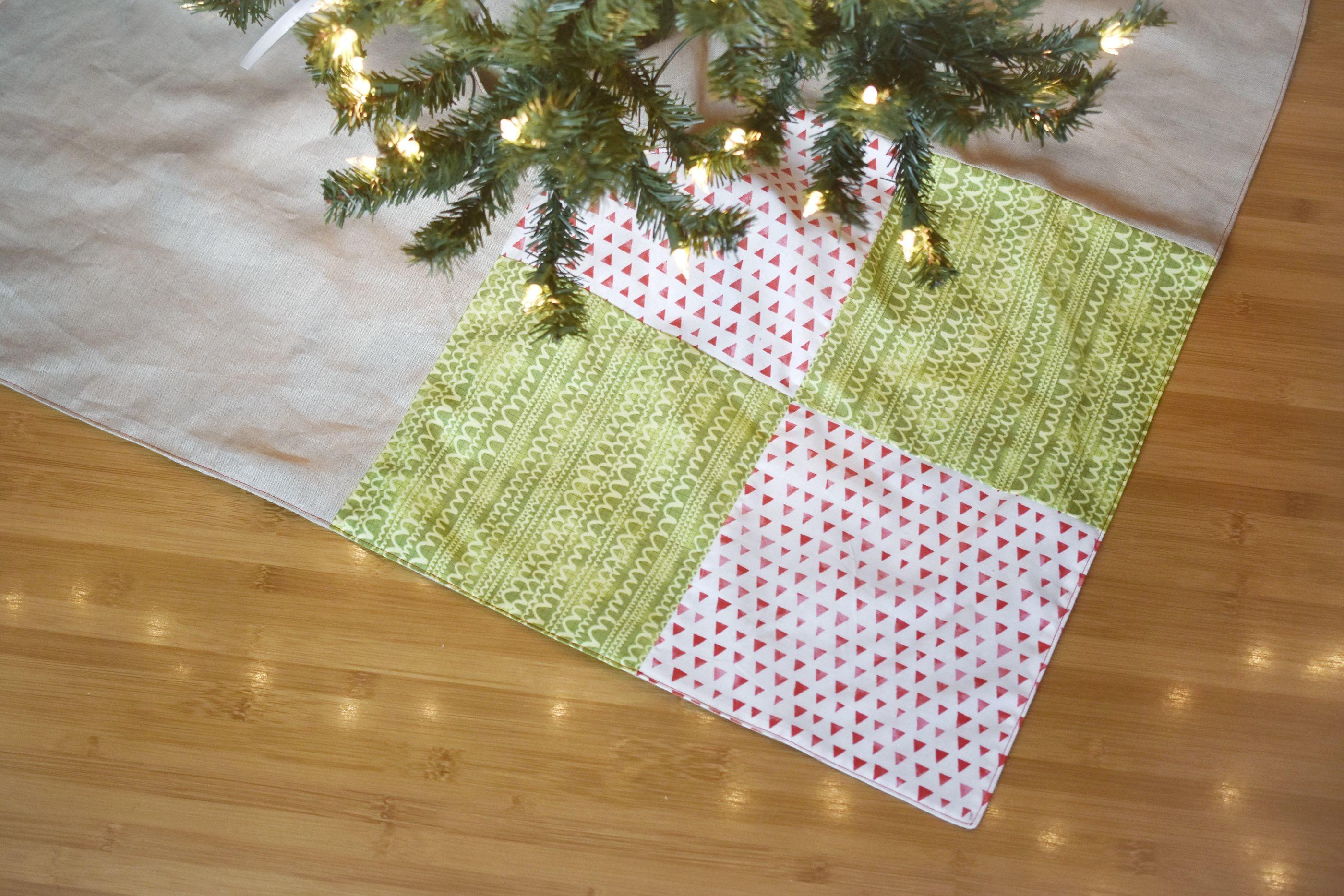 Sew Simple Patchwork Christmas Tree Skirt
