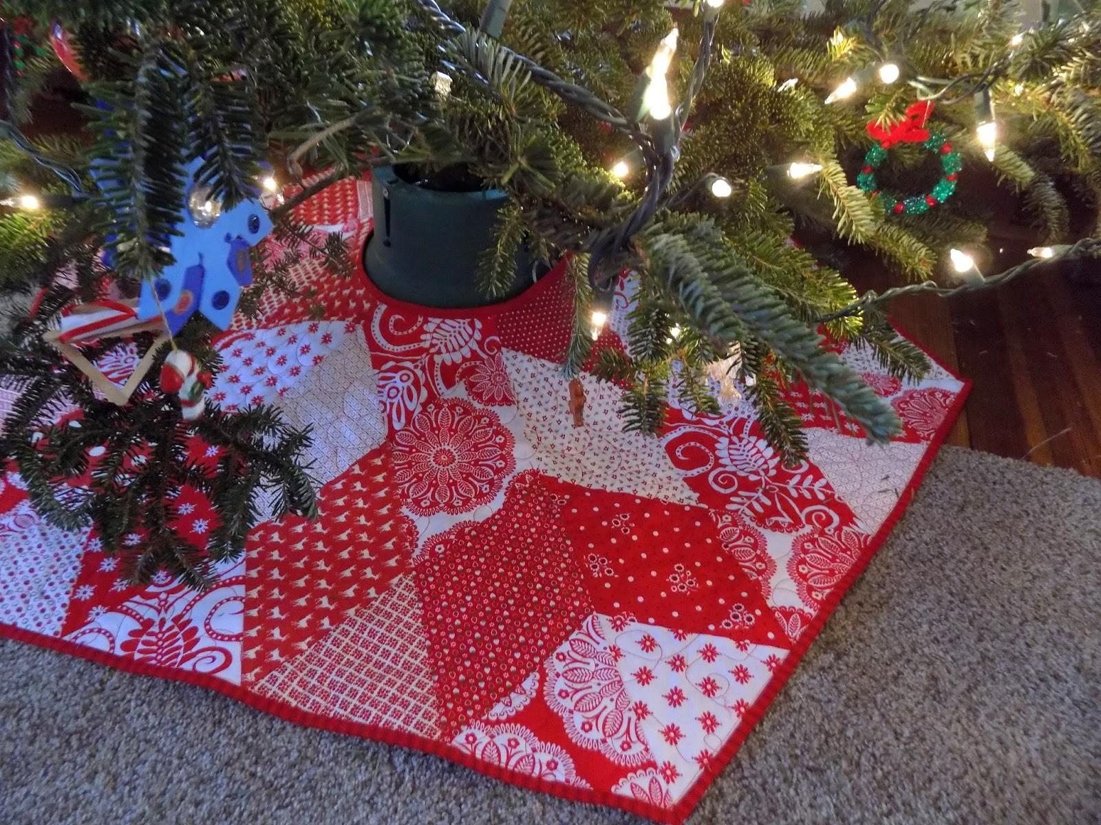Sewn Hexagonal Christmas Tree Skirt Dala Horse Pillow