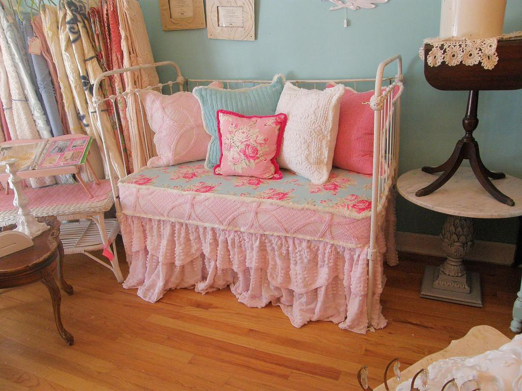 Shabby Chic Daybed Antique Iron Baby Crib