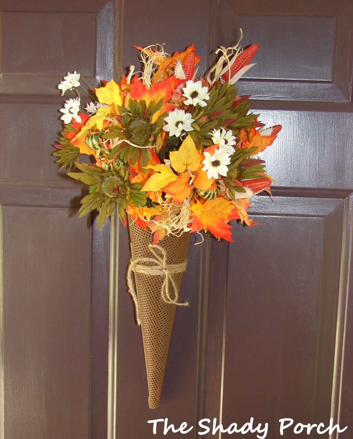 Shady Porch Fall Flashback Projects Decorations