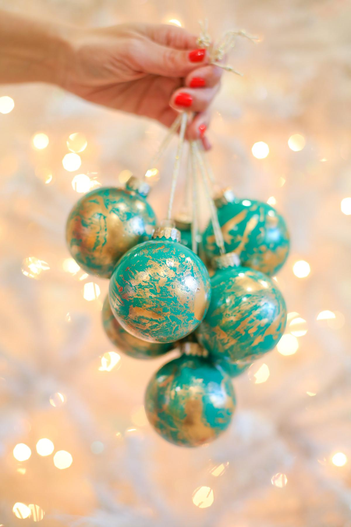 Simple Christmas Ornament Gifts Gold Marbled Ornaments