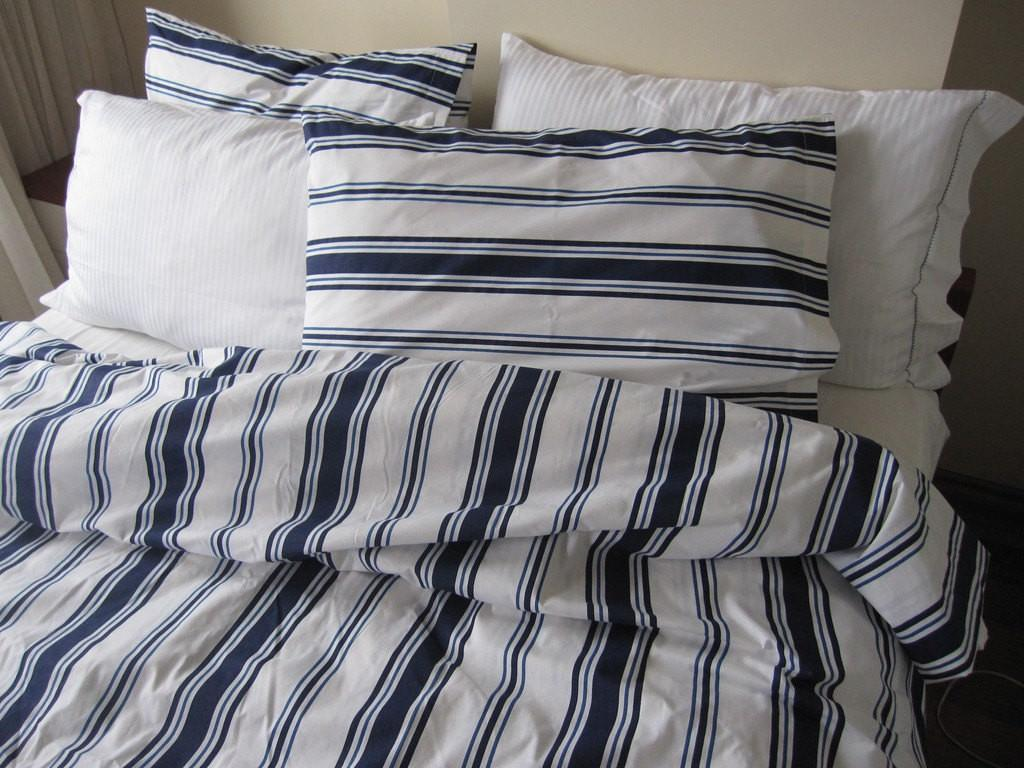 Simple Custom Made Duvet Navy White Comforter Set
