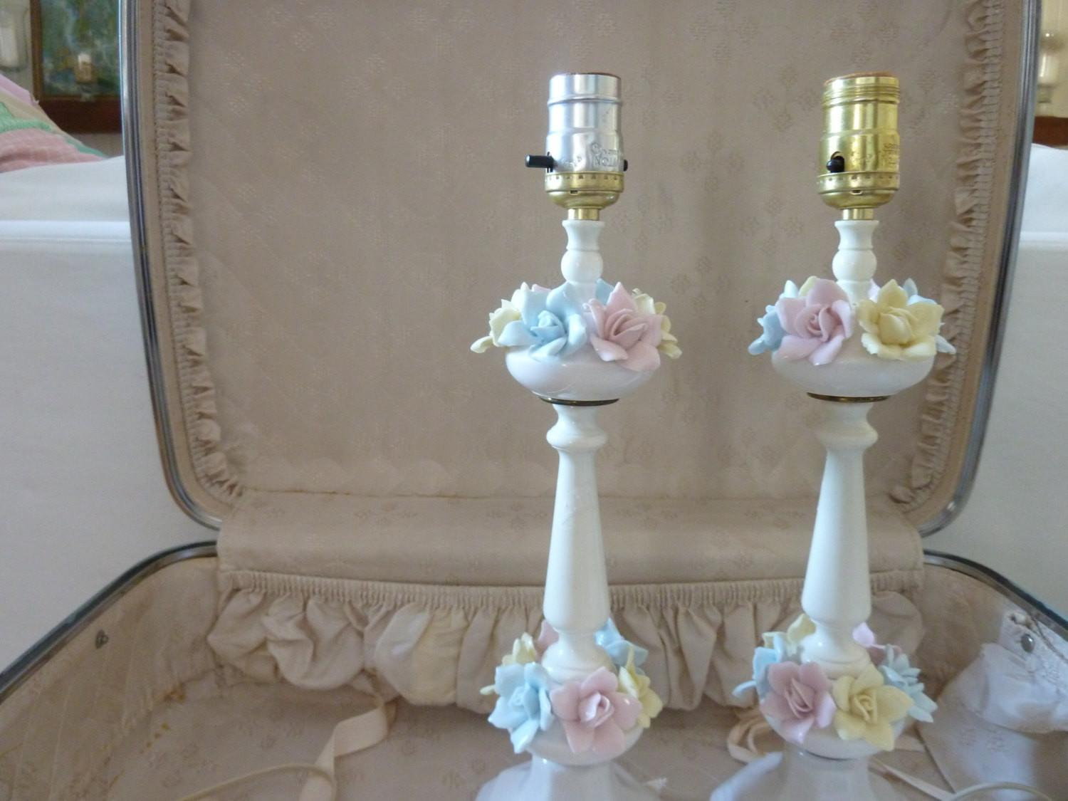 Simple Decoration Shabby Chic Lamp Stand Flower