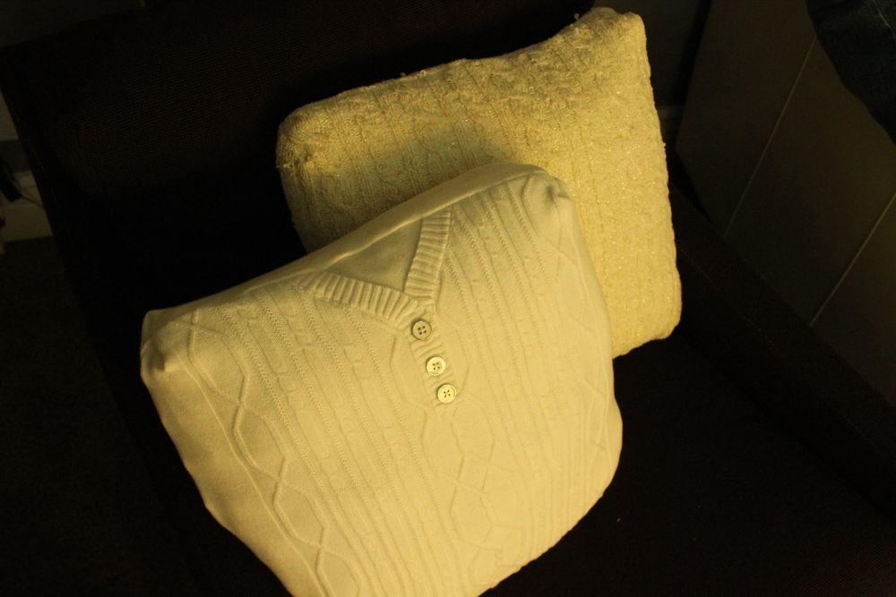 Simple Diy Cable Knit Throw Pillows Out Old Sweaters