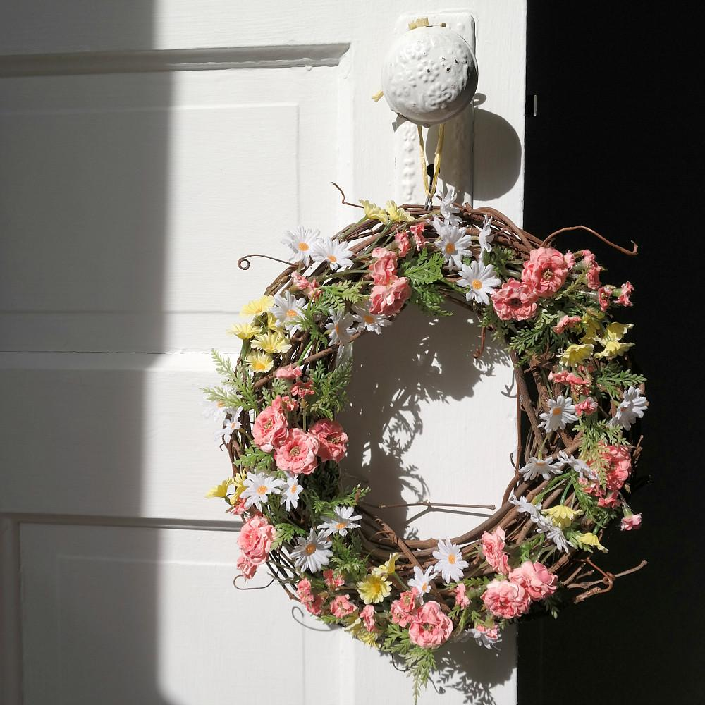 Simple Diy Spring Wreath