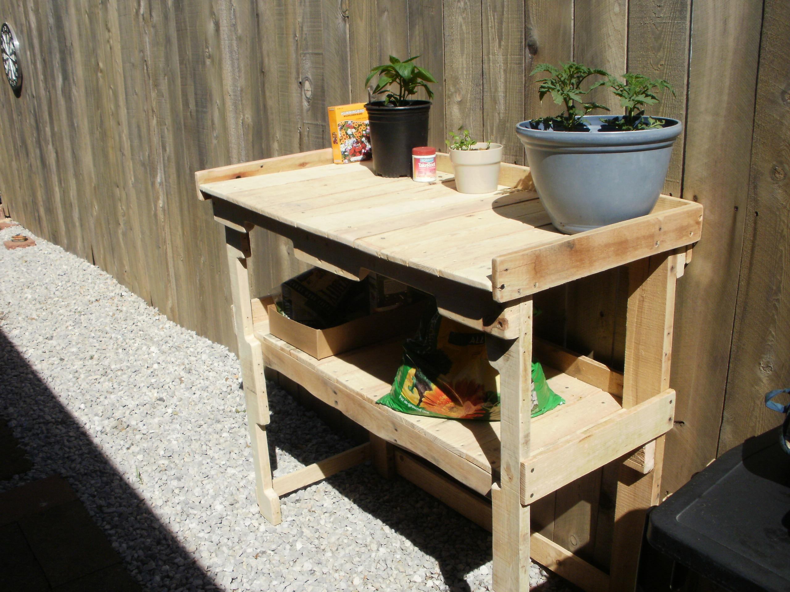 Simple Pallet Potting Bench Work 1001 Pallets
