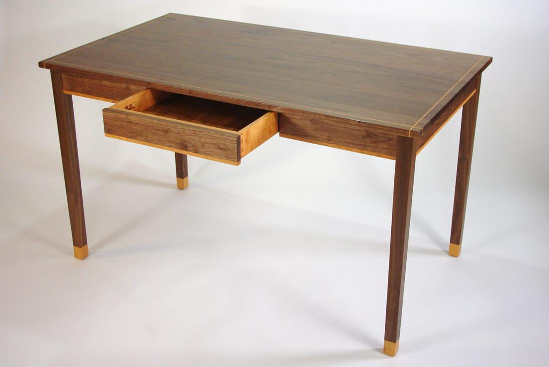 Simple Writing Desk Drawers