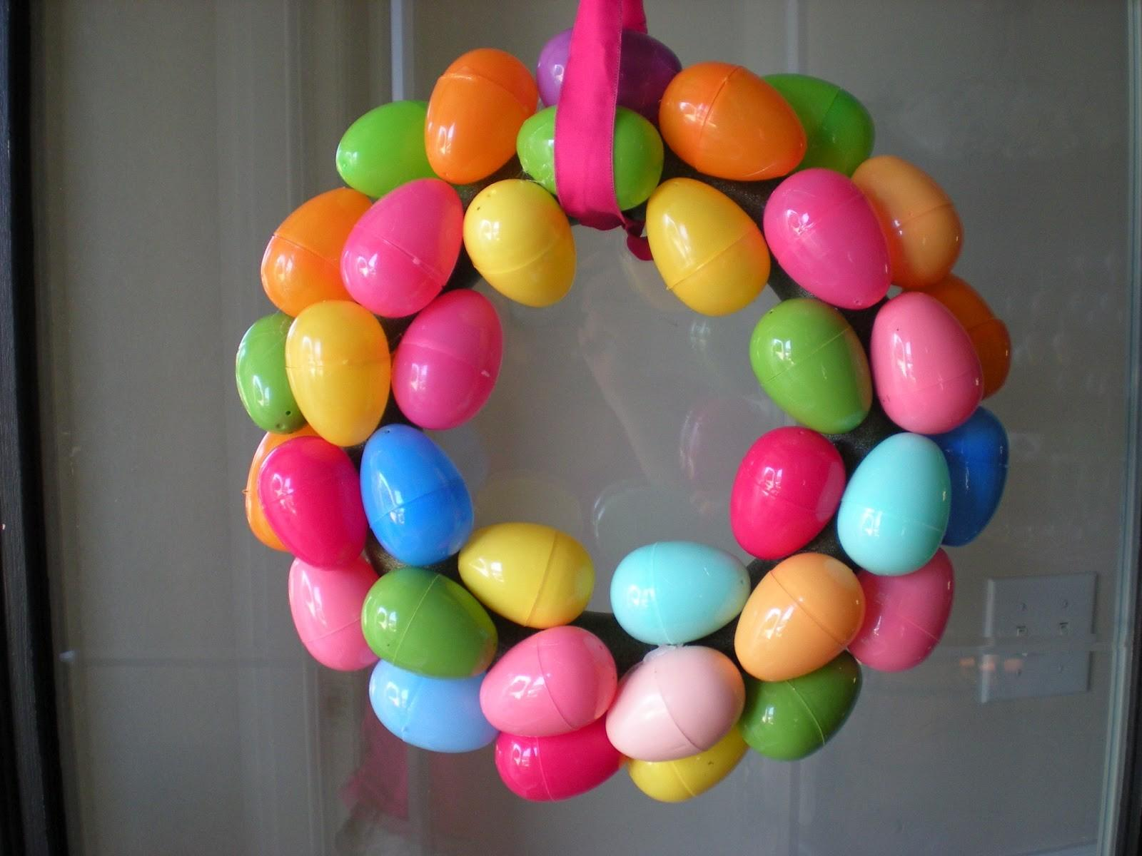 Sippy Cup Central Easter Egg Wreath