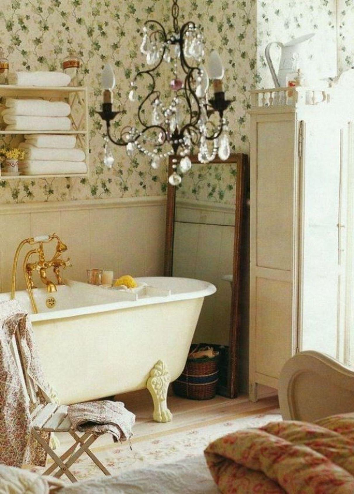 Small Bathroom Traditional Wooden Made Furniture