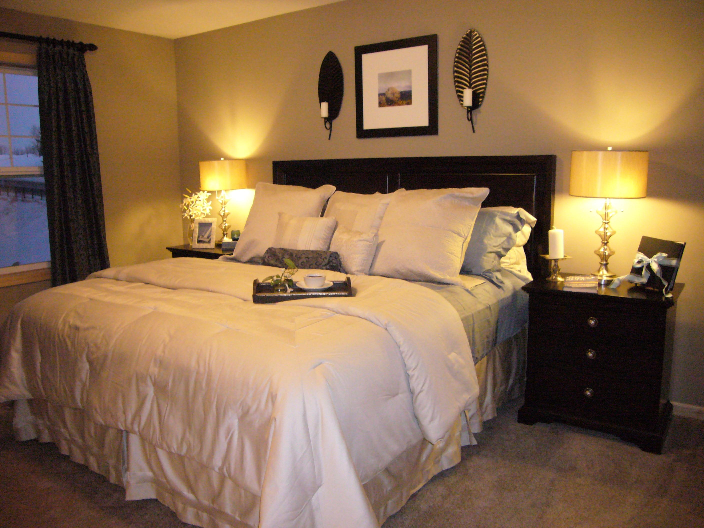 Small Bedroom Colors Designs Elegant Black Bed