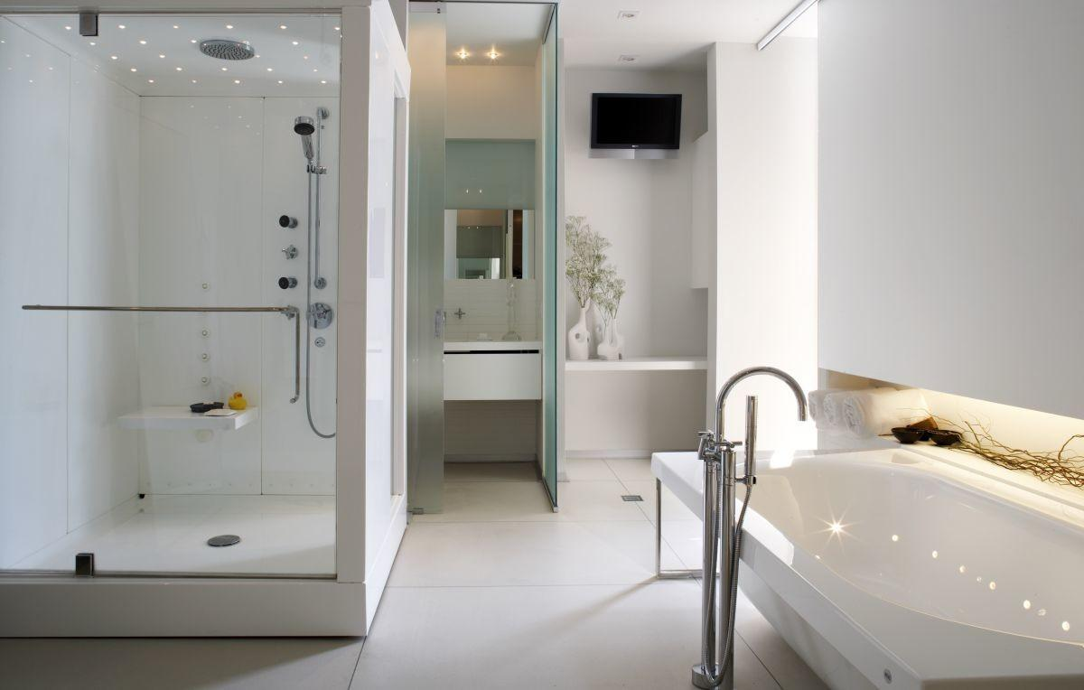 Small But Luxury Bathroom Design Ideas