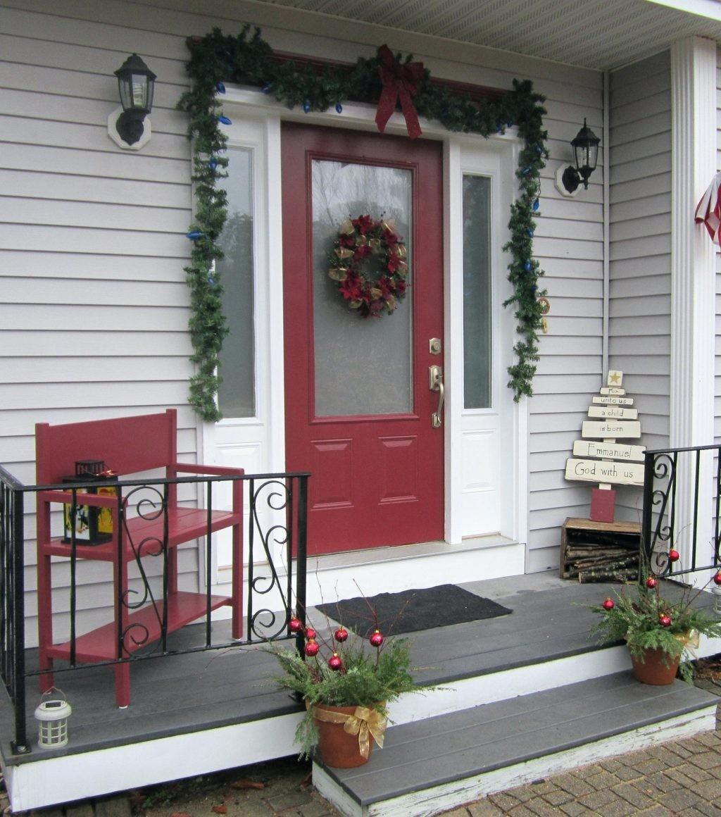 Small Front Porch Christmas Decorating Ideaschristmas