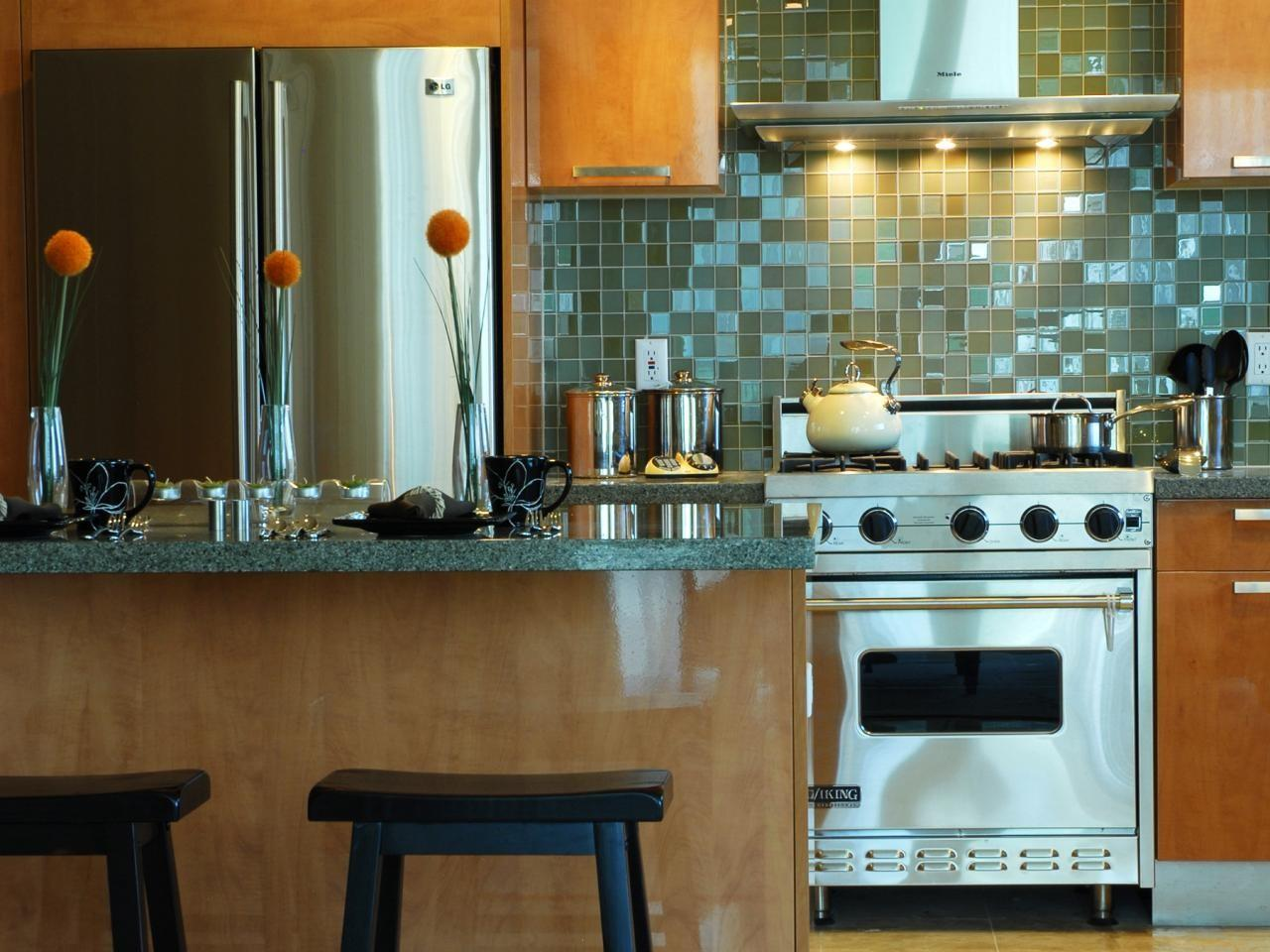 Small Kitchen Decorating Ideas Tips