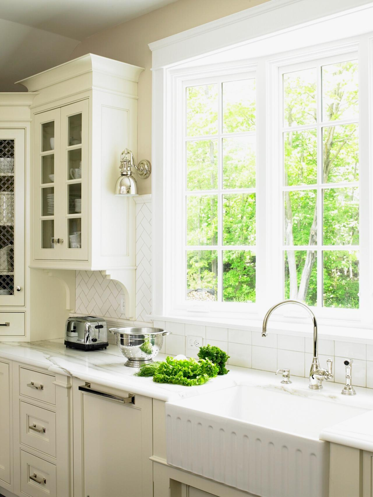 Small Kitchen Window Treatments Ideas