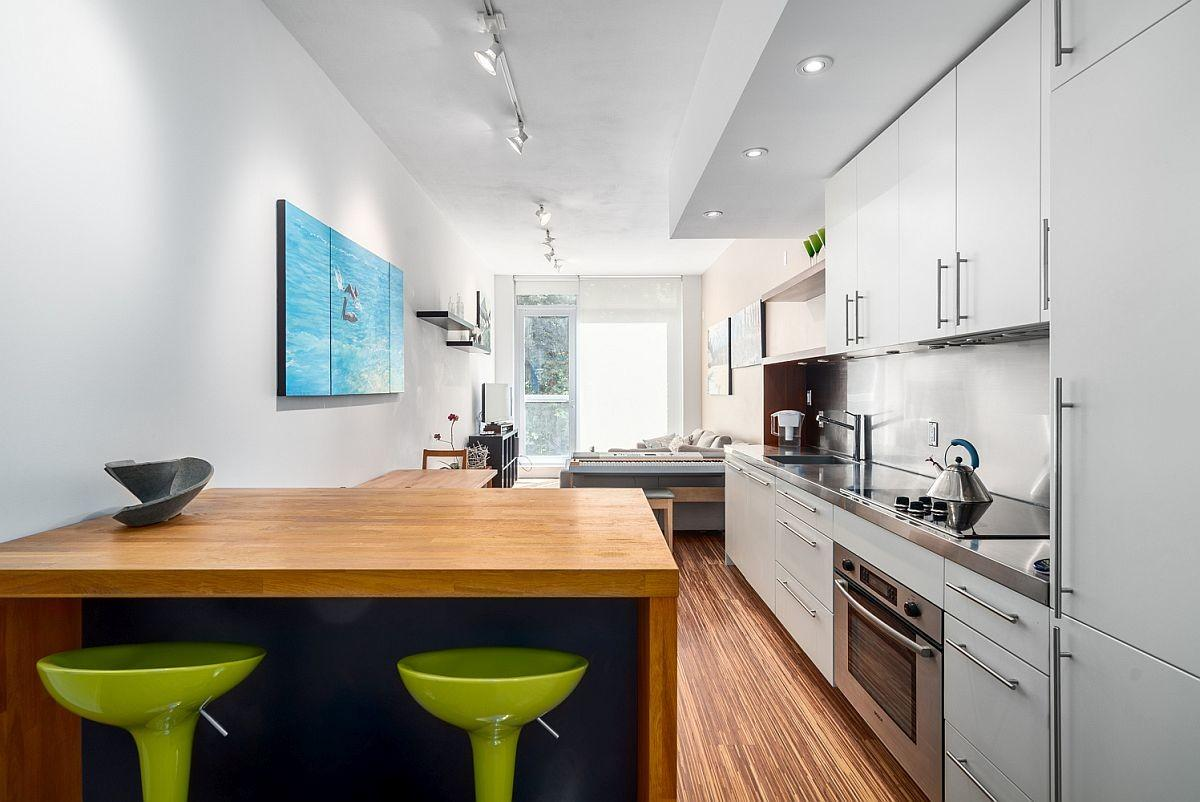 Small Modern Apartment Vancouver Maximizes Space Style