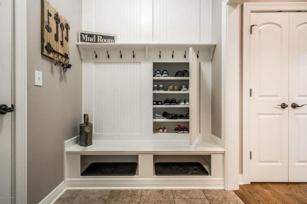 Small Mudroom Furniture Fantastic Ideas