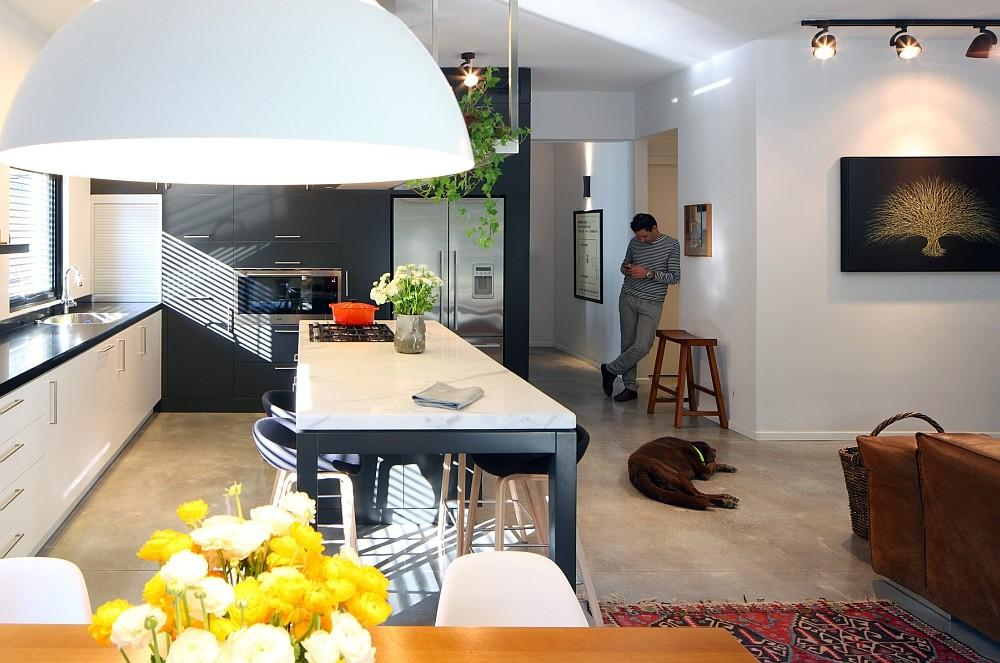 Smart Renovation Tel Aviv Combines Two Apartments Into One