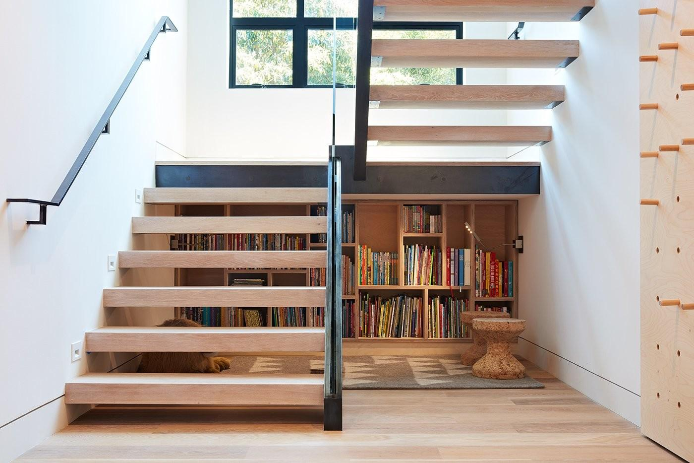 Smart Surprising Under Stair