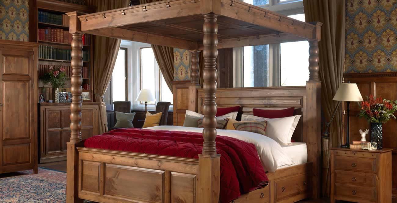 Solid Wood Four Poster Bed Design Decoration