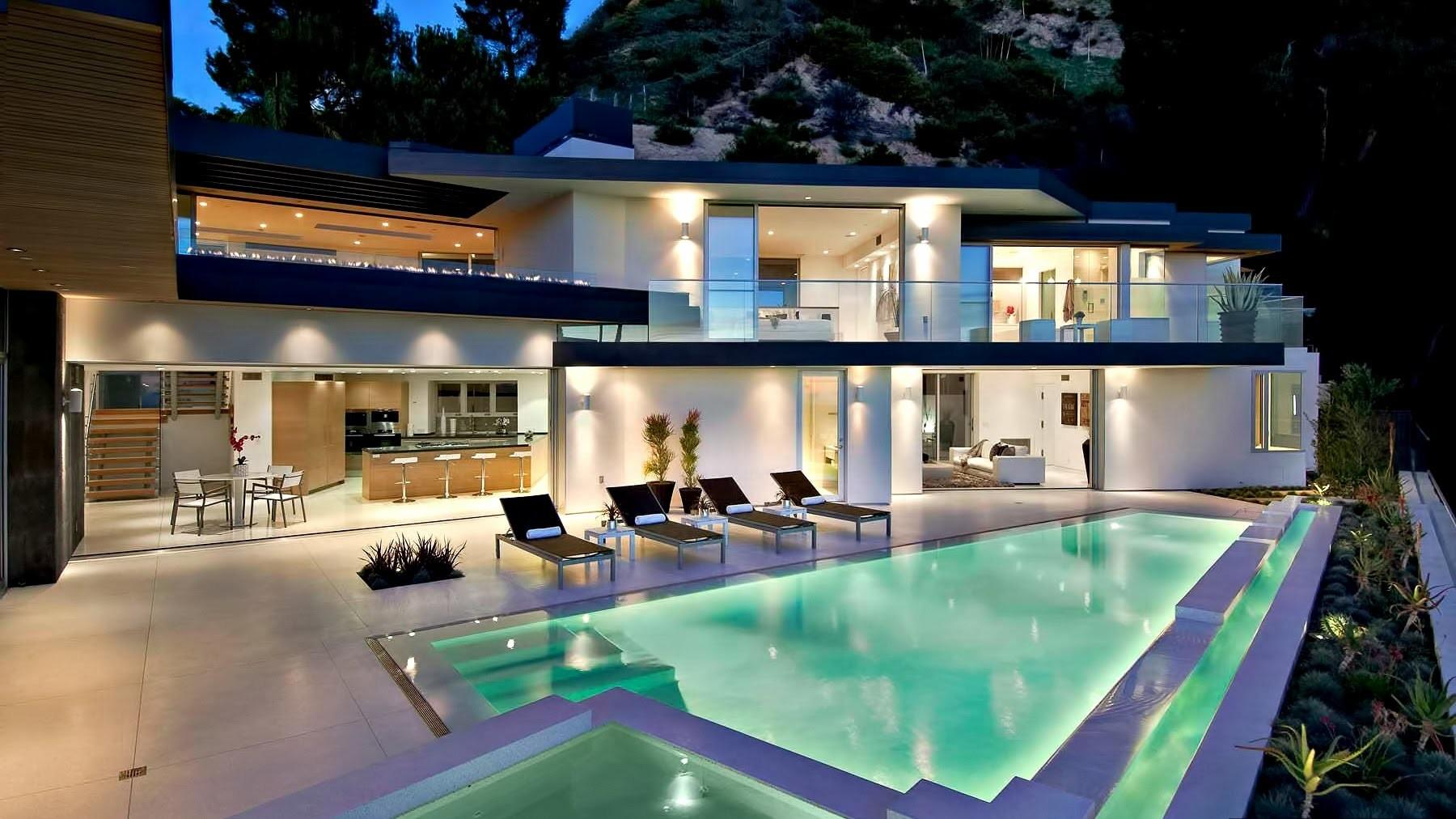 Sophisticated Contemporary Hollywood Hills Luxury