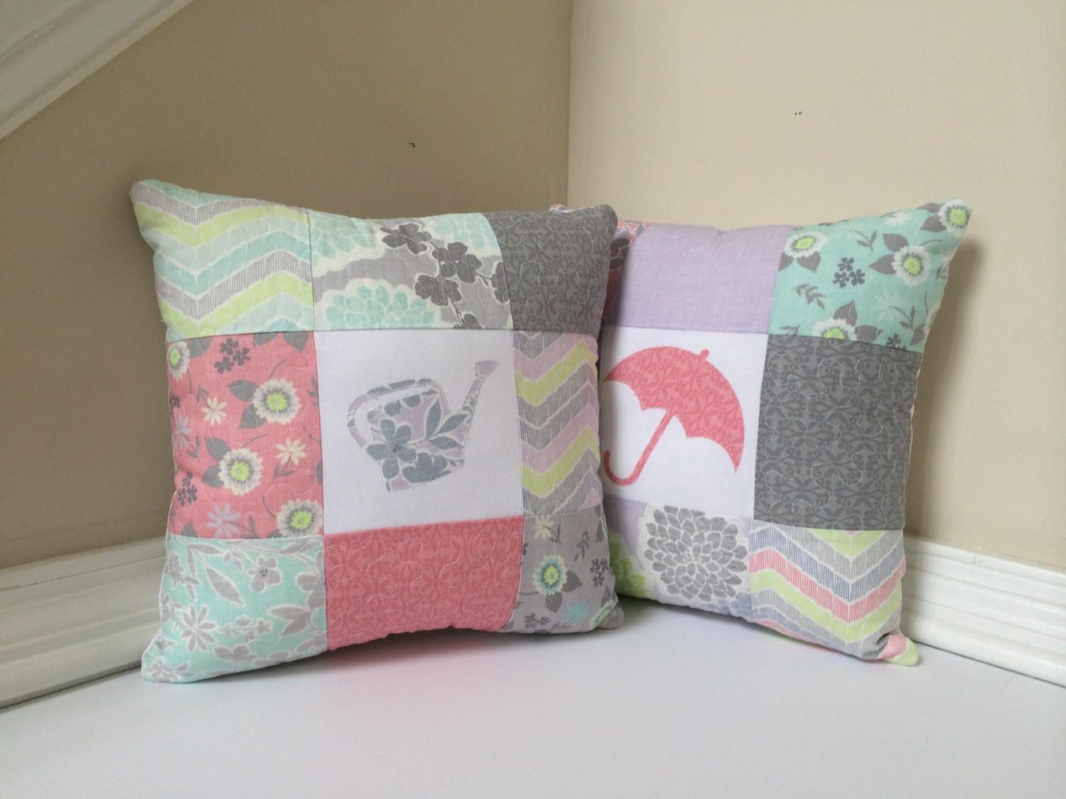 Spring Decorative Pillows Set