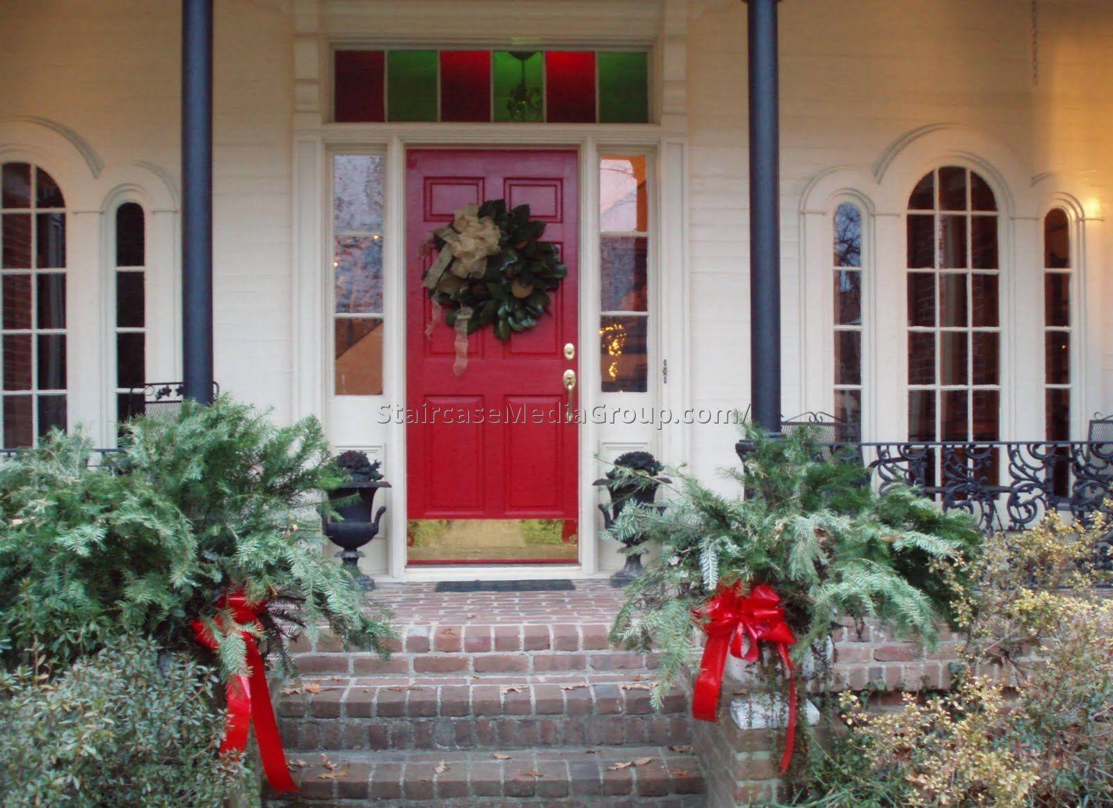 Staircase Christmas Decorating Ideas Best