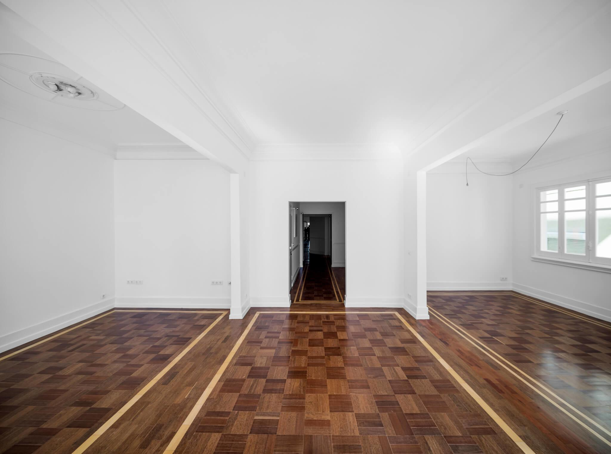 Striking Floor Creates Flow Unity 1930s