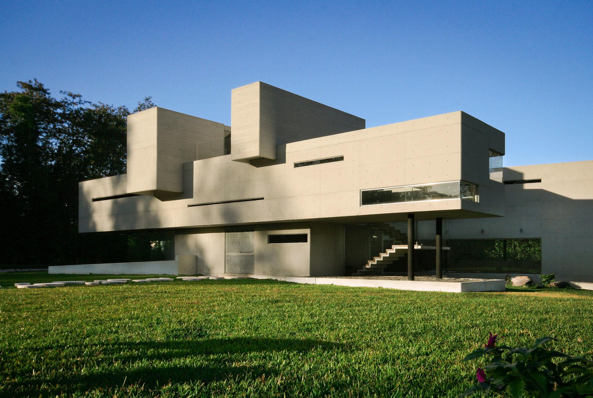Stunning Architectural Modern Concrete House Design