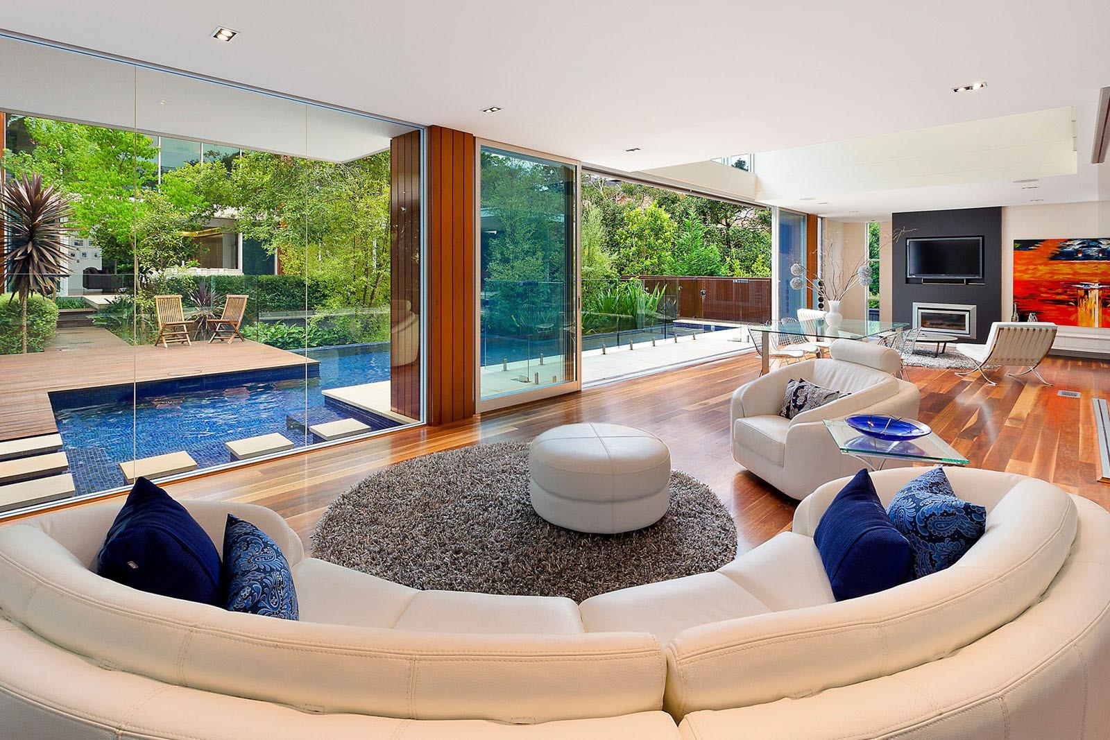 Stunning Home Two Pavilions Linked Central