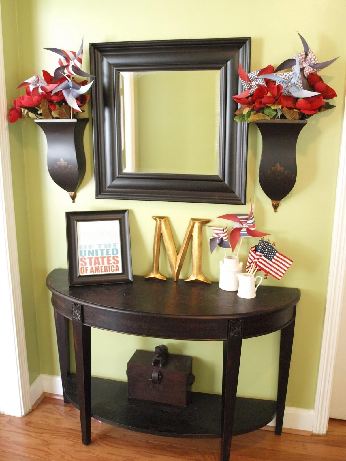Stylish Square Wall Mounted Mirror Frames Flower