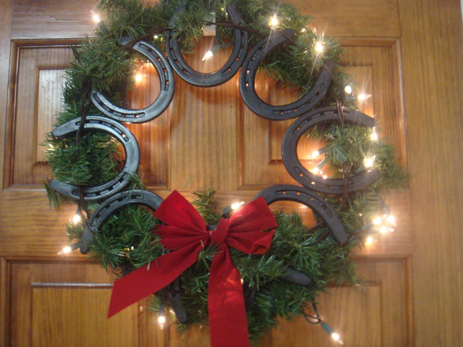 Stylish Western Home Decorating Christmas Wreaths