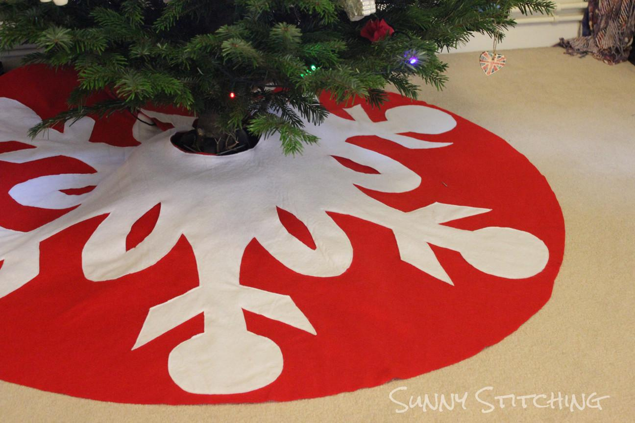 Sunny Stitching Pinned Did Christmas Tree Skirt